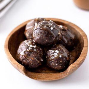 no bake chocolate brownie energy bites