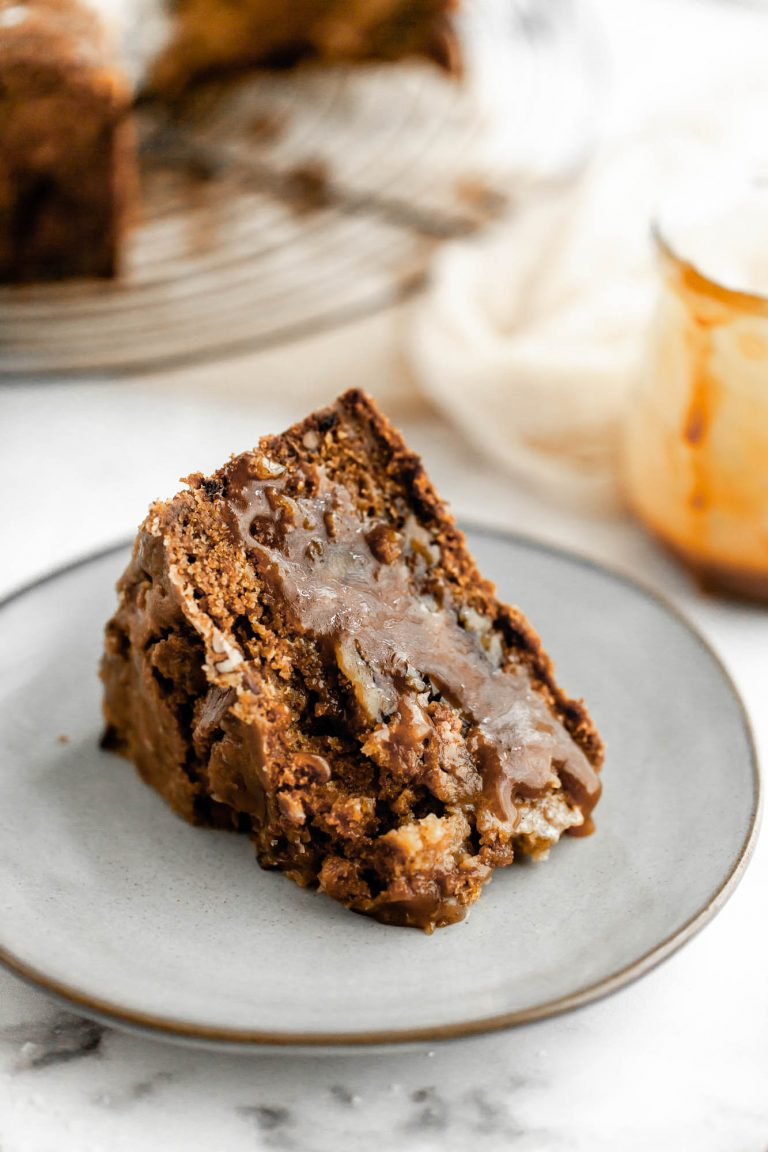 apple pecan cake slice